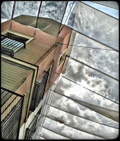 Ig_europe Ig_Sevilla Ig_spain IG_andalucia Estaes_andalucia Estaes_espania Estaes_sevilla  Andaluciaviva Loves_architecture Loves_doorsandco Alleyhavethebestshit Streetphotography Cielo Sky Loves_skyandsunset Best_skyshots Sevillagram DetallesDeLaCiudad Испания Севилья уличноефото
