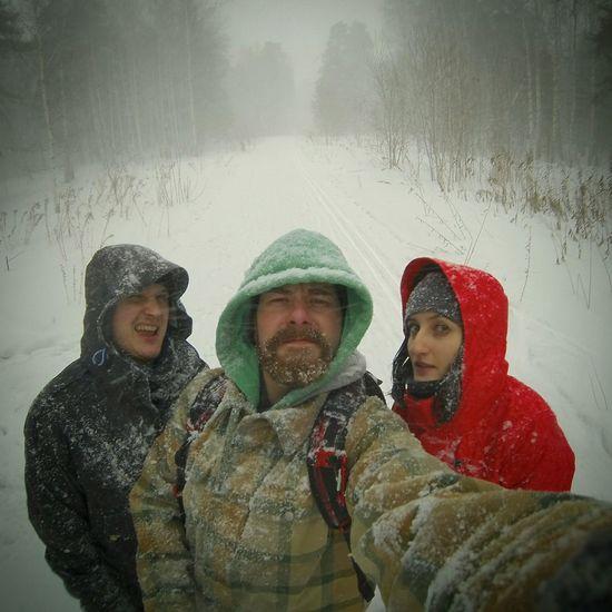 зима. С друзьями в любое время года хорошо😉 друзья Лес снегопад Метель сибирь себяшка Winter Snowfall Blizzard