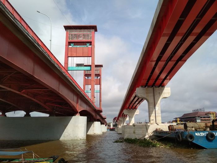 ampera and lrt railway Palembang INDONESIA Ampera Raliway EyeEm Selects Bridge - Man Made Structure Connection Architecture Water Transportation Built Structure Cloud - Sky
