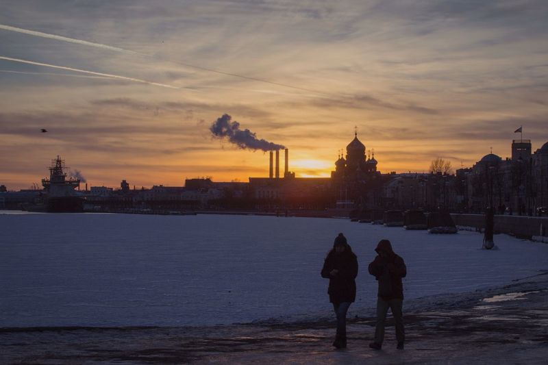 Really cold in Piter It's Cold Outside Streetphotography Taking Photos Tadaa Community Cityscape Cityscapes Architecture EyeEm Best Shots Showcase: January Snow Winter Saint Petersburg Clouds And Sky Sunset Sunset_collection People People Watching