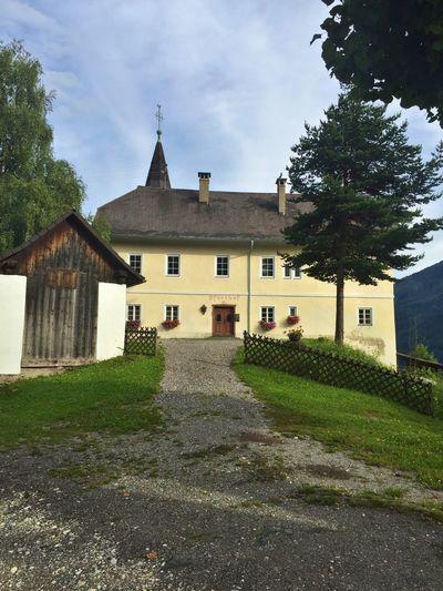 Church Pfarrkirchen Austria Grass Mountain Threes Gravel Road Stpeter Radenthein