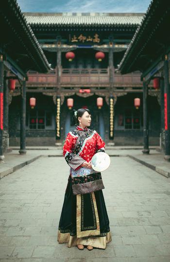 中国风,大院里的女孩 City Portrait Standing Full Length History Ceremony Tradition Cultures Place Of Worship Traditional Clothing