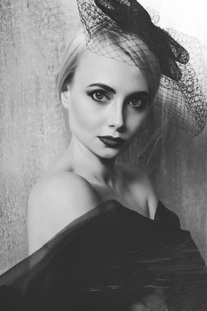 Young Adult Young Women Beauty One Young Woman Only Beautiful Woman Elégance Glamour Portrait Fashion Blackandwhite Black & White Human Face Beautiful People Women Close-up Indoors  Flower Only Women Adult One Woman Only Day