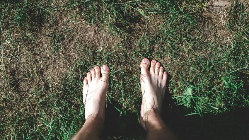 Photography Green Green Color Men Best EyeEm Shot Its Me Relaxing EyeEm Selects Low Section Human Leg Standing barefoot Water Human Foot Grass Leg Foot Skin