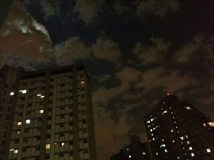 Bluemoon entre nuvens GALAXYA7 HDR