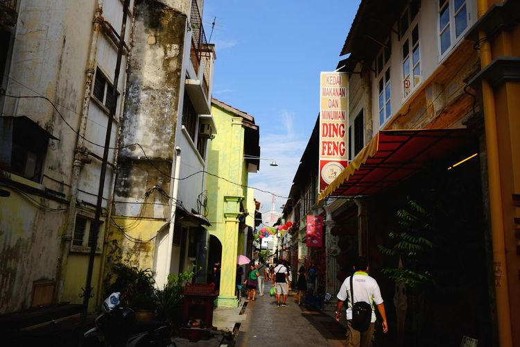 Back alley Street Of Malaysia Colors Of The Street Back Alley Lorongbelakang Old Buildings Old But Awesome Old Town Ipohtown Colors Of Malaysia Architecture_collection Oldtown Architure Building Heritage