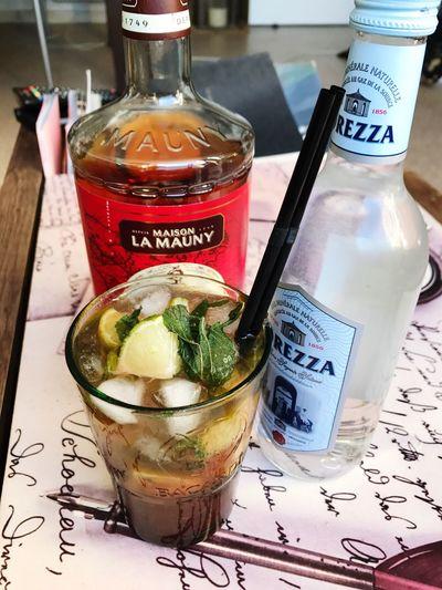 Apero Time Mojito! Mojito Time Summertime Friday Cool Attitude Ruhm Vanilla Lemon Fresh Produce