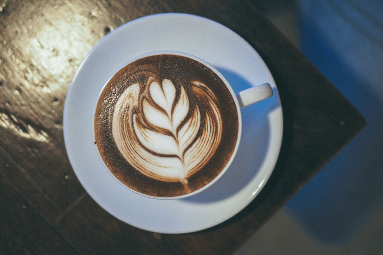 Rosetta chocolate latte art ☕️ Cup Drink Mug Food And Drink Frothy Drink Hot Drink Froth Art High Angle View Directly Above Latte Latteart Latte Art Hot Chocolate Chocolate Drink EyeEmNewHere Autumn Mood