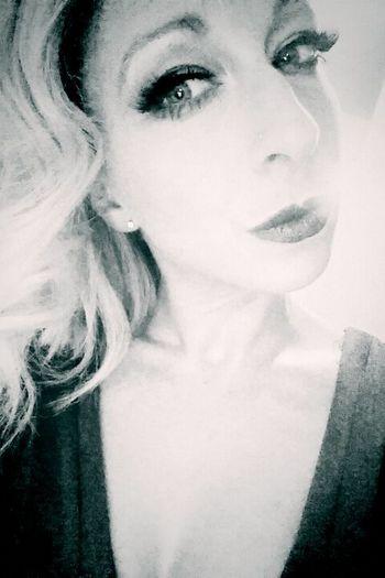 Selfie Holiday Inked Girl