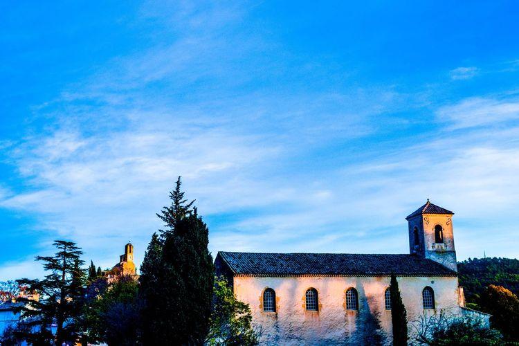Bâtiment  Hiver Sky Architecture Blue Cloud - Sky Froid Winter Lourmarin En Provence Lourmarin France 🇫🇷