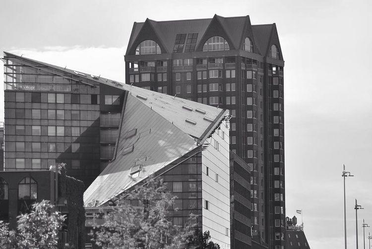 Sagaofmytears Architecture Streetphotography Blackandwhite ROTTERDAMMMmmm‼️‼️‼️