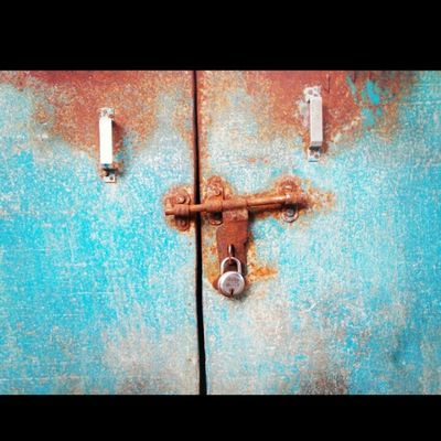 Rust Store locker....... Picoftheday Photography Cheapcamerachallenge Nikon_coolpixl29 Morning Click Station Artistic Blue Lock Rust Loveit Instalikes Follow L4l Awesome Click Ty_nikon