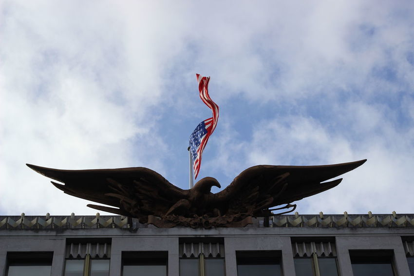 Usa embassy in London USA USA FLAG Mighty Usa Great Usa Might Us Flag Inthe Sky Eagle Building Embassy Skyporn Power Usa Power Usa Force Country National Flag Nation Great Nation Flag In The Wind Looking Up Looking Up At The Sky Wings Country Power National