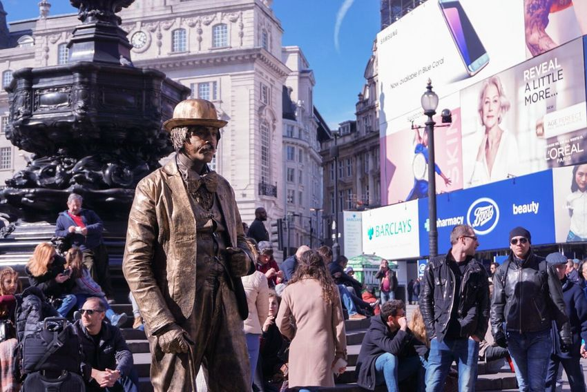 Sony A6000 Sony Day Outdoors Clear Sky Architecture London Piccadilly Piccadillycircus City People Travel Destinations Adults Only Adult Crowd Cultures Only Men Mannequin