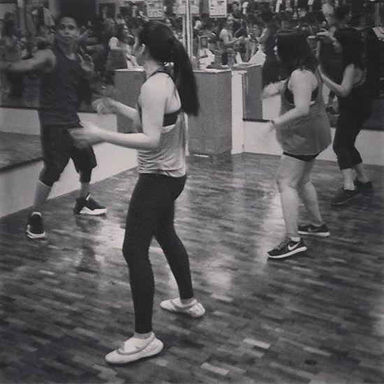03/30/2016 Atthegym Workout Workingout Zumba Swi SlimmersWorld Slimmersworldph