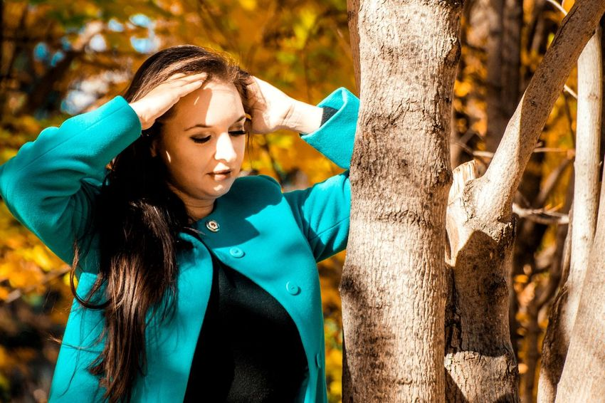 Sun Light Nature Siberian Woman Beautiful Beaity Pretty Beautiful Woman Russian Woman Russian Russian Girl Face Yellow Yellow Leaf Autumn Autumn colors Portrait Of A Woman Portrait Photography Portraits Young Women Women Females Portrait Protective Glove Close-up Hand In Hair In Bloom Posing Sensuous
