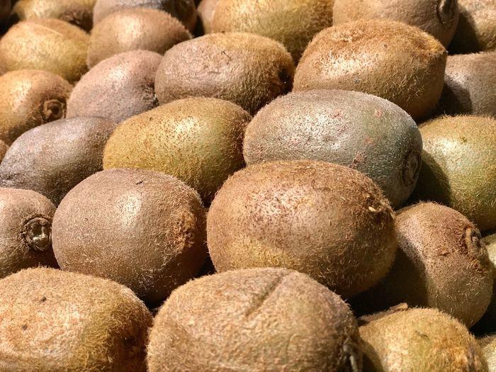 Kiwi on market
