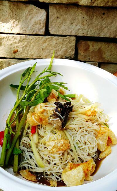 "Thai food menu is call ""Papaya salad"" or ""som tum"" let 's enjoy it if you have chance Street Food Worldwide Somtum Pu-plarha Somtum Food Thaistyle Thaifood Lifestyles"