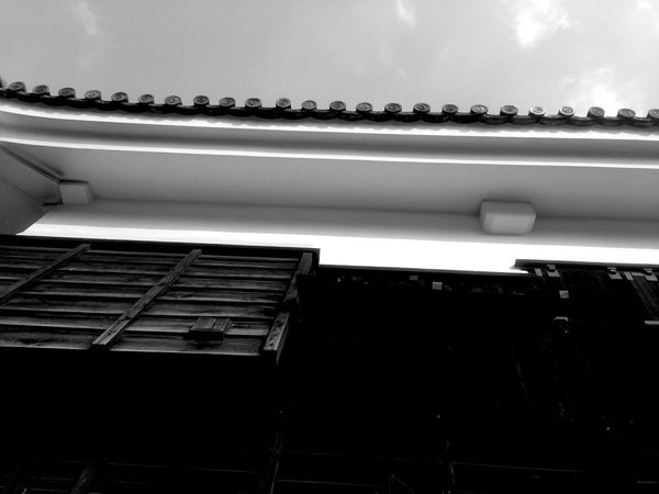 Castle Walls Blackandwhite Photography Beautiful Day Quality Time Silhouette Starting A Trip Architecture いつか辿り着く場所