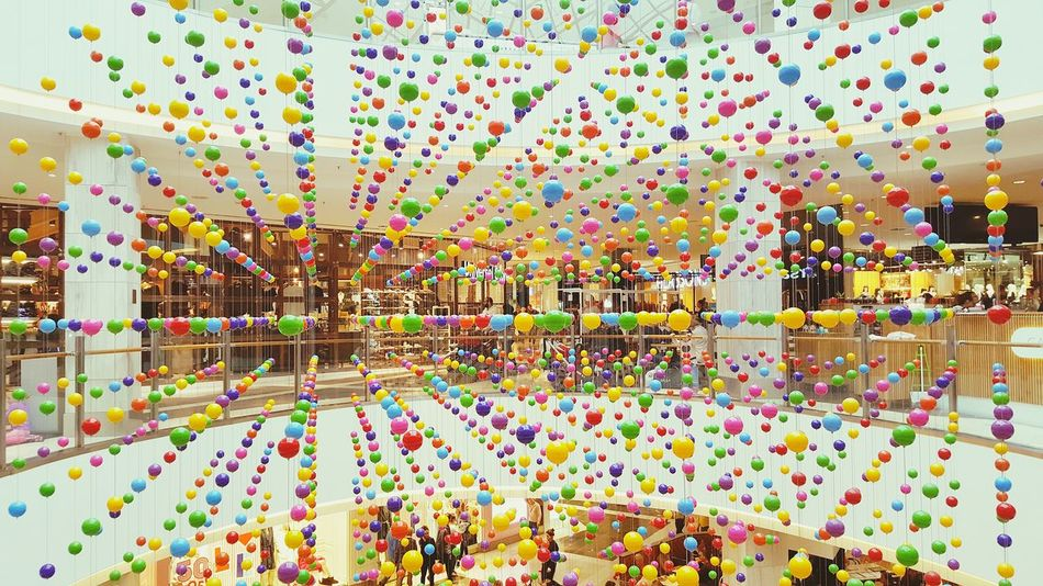 Sydney Sydney Photography MacquarieCentre Balls Decorations Decoration Colours Colourful Colour Splash