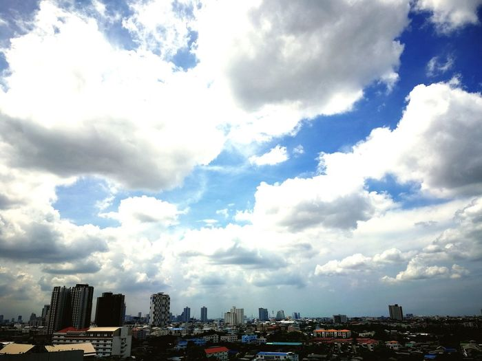 Cityscape Urban Skyline Modern City Life Sky Architecture Building Exterior Cloud - Sky Sky Only Forked Lightning Overcast Dramatic Sky Atmospheric Mood Heaven Meteorology Fluffy Cumulus Storm Cloud Moody Sky Thunderstorm Cumulus Cloud Cumulonimbus Cloudscape Lightning