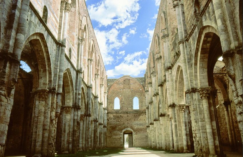 Travelphotography Travelingtheworld  Travel Photography Travelling Photography Travel Destinations Traveling Photography Architecture_collection Architecture Gebäude Architektur Kirchen Cathedral Italy Kloster Ruine Toscana Tuscany San Galgano San Galgano, Toscana.