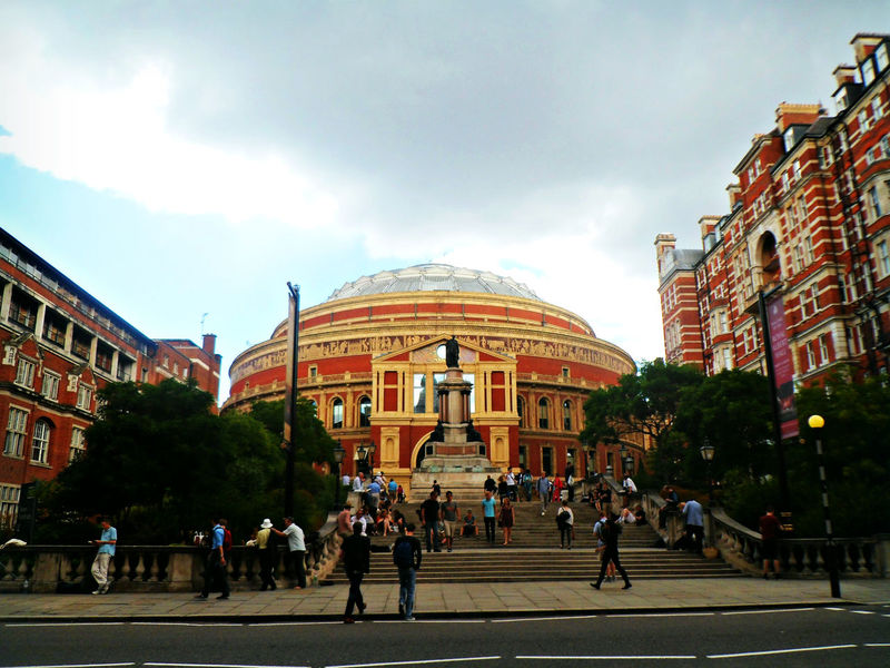 Architecture Building Exterior Built Structure City Day Façade Large Group Of People Outdoors People Real People RoyalAlbertHall Sculpture Sky Tree