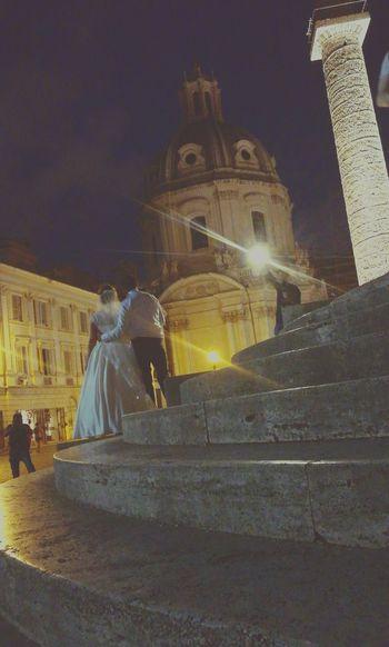 Roma(ntico) Rome Romantic Italy Night Illuminated Marriage  Love Foro Di Traiano Colonna Di Traiano History Lovestory Scattirubati Photoofthephoto Photoofthephotographer