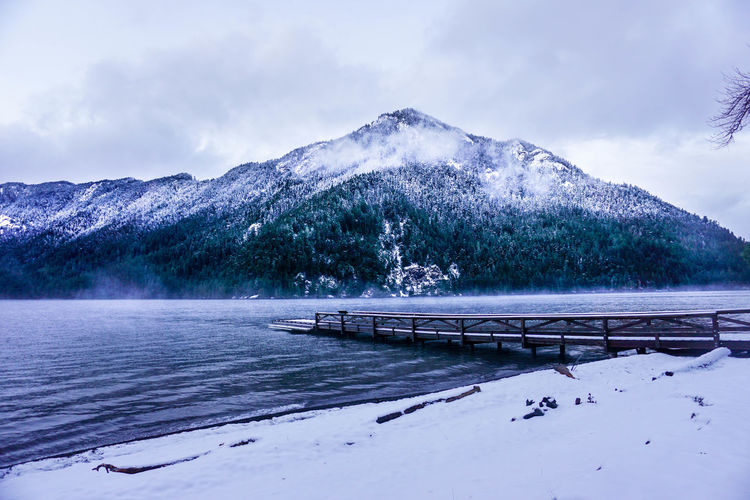 Olympic National Park in Clallam County, Washington, United States. December 2017 Clallam County, Washington, United States Lake Crescent, Washington. Olympic National Park Shades Of Winter Beauty In Nature Cold Temperature Day Frozen Ice Lake Landscape Mountain Mountain Range Nature No People Outdoors Scenics Sky Snow Tranquil Scene Tranquility Tree Water Weather Winter The Traveler - 2018 EyeEm Awards The Great Outdoors - 2018 EyeEm Awards
