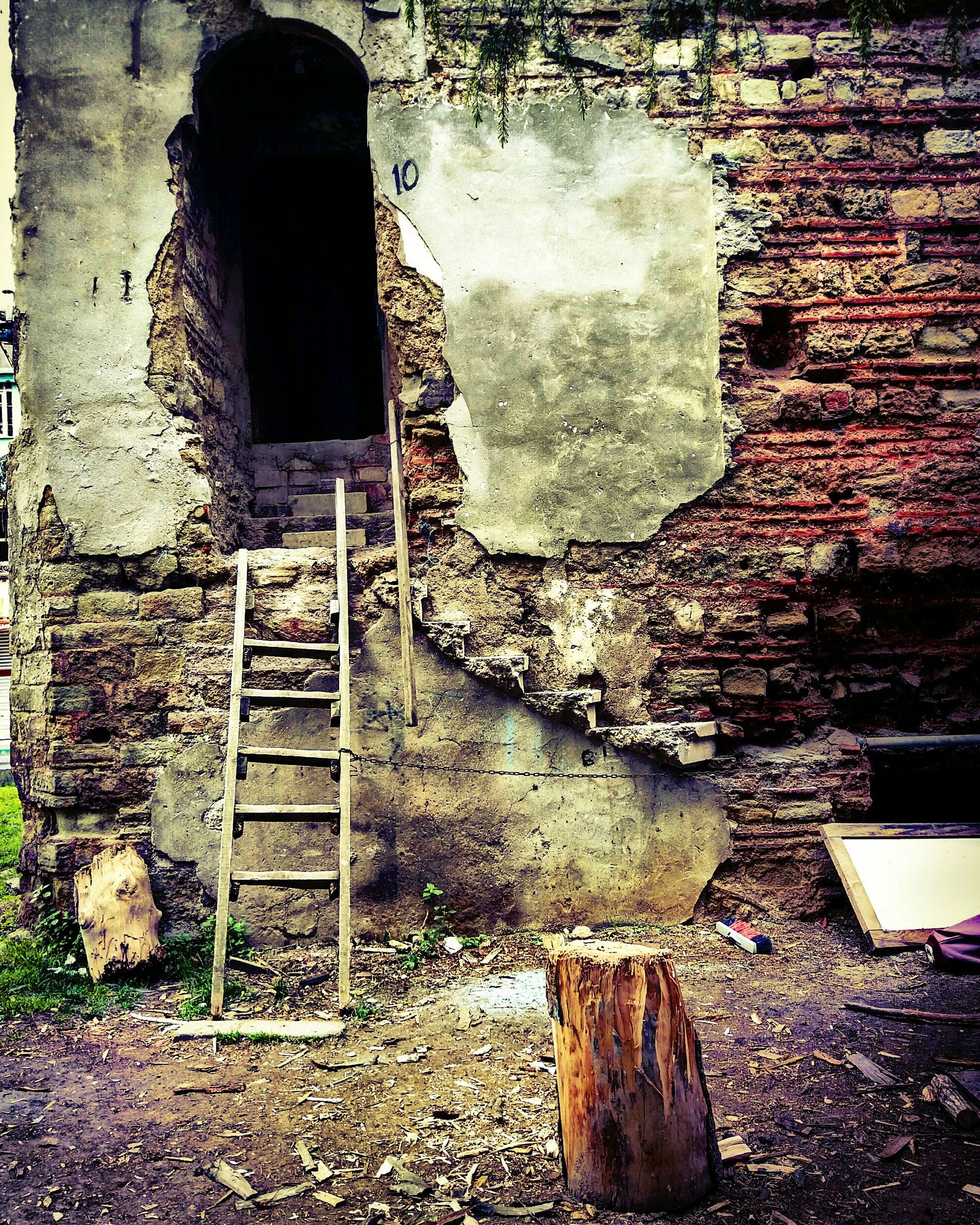 old, weathered, abandoned, architecture, house, built structure, damaged, bad condition, run-down, day, no people, building exterior, rotting, indoors