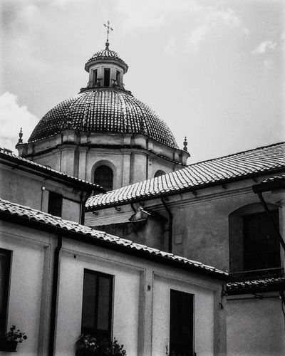 Architecture Built Structure Building Exterior Dome Spirituality Religion Place Of Worship Low Angle View Cloud - Sky Sky Day Outdoors No People Travel Destinations The Week On EyeEm