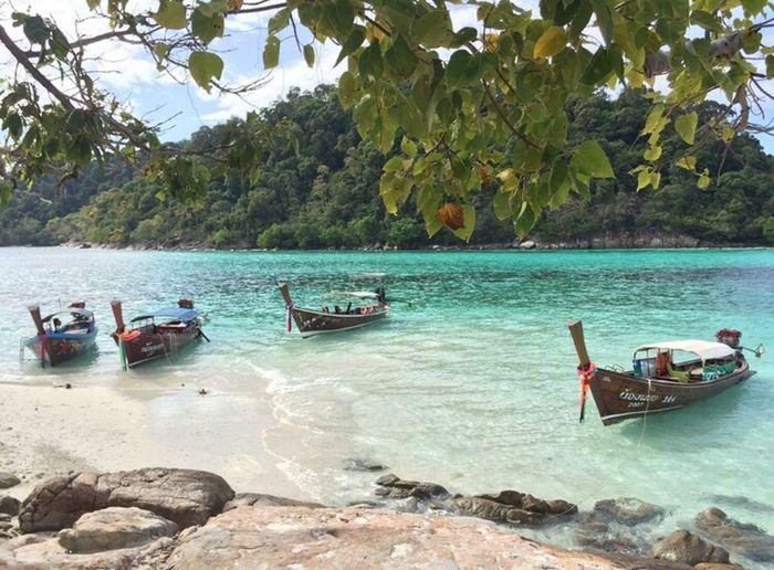 Float. Water Boat Transportation Scenics Calm Beach