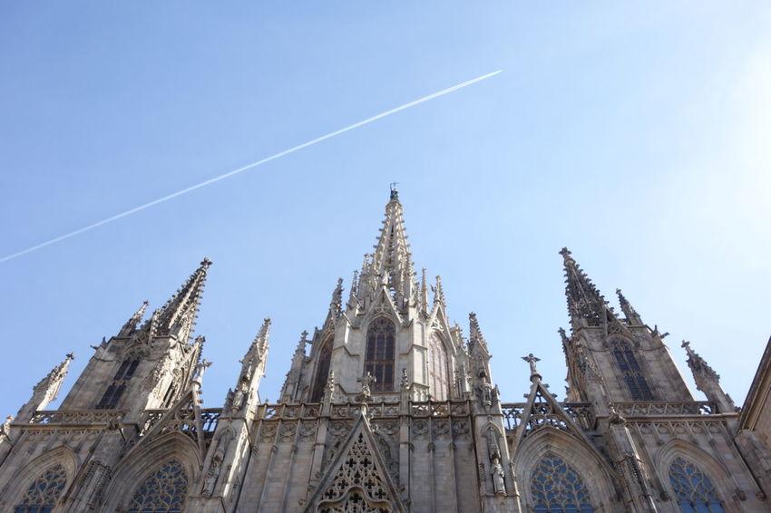 Barcelona Church Clear Sky Contrails Vapor Trail
