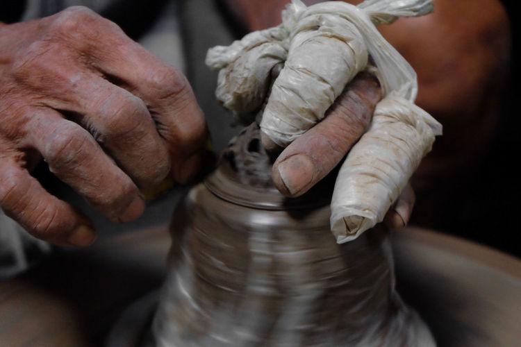 Potterry Thai Handicraft Thailandtravel Handicraft Nonthaburi Pottery Skill  Technology Making Skill  Close-up Working Expertise