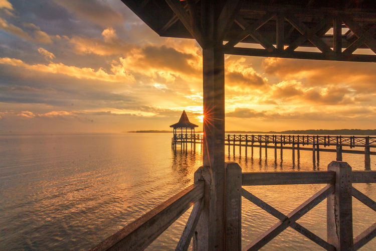 Morning Sunshine Sunrise Morning Water Beach Cloud - Sky Horizon Over Water Sky Nature Reflection Outdoors Beauty In Nature Sun Landscape Vacations Summer