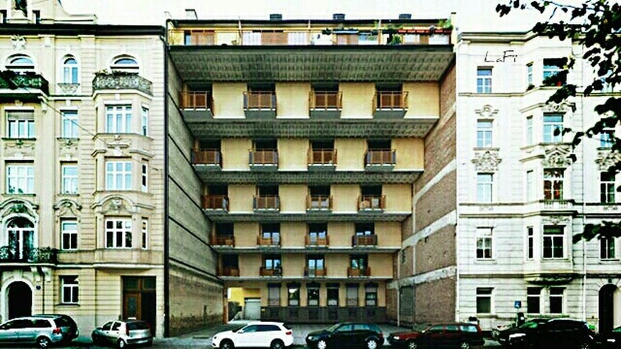 EyeEm Best Edits EyeEm Masterclass Streetphotography Colorful Buildings Apartments Heights Buildings Over Populated Amazing Architecture Creativity