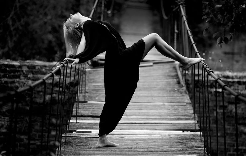 Dress Woman Adult Beauty In Nature Black And White Blek Dres Bridge Day Footbridge Full Length Lifestyles One Person Outdoors Sexygirl Women Young Adult