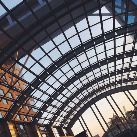Architecture Built Structure Sunroof Low Angle View Building Exterior Connection No People Indoors  Sky VSCO Cam Mobilephotography The Week On EyeEem Eyeem Market EyeEm Gallery EyeEm Best Shots Pattern, Texture, Shape And Form Urban Exploration Urban Geometry