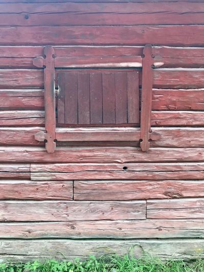Old farmhouse Ekerö The Week on EyeEm Wood - Material Architecture Day No People Built Structure Pattern Closed Outdoors Building Exterior Red Brown Wall - Building Feature Weathered Close-up