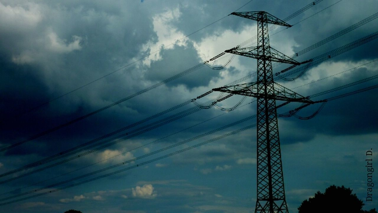 cloud - sky, low angle view, connection, sky, cable, electricity, fuel and power generation, technology, electricity pylon, power line, power supply, no people, outdoors, day, nature