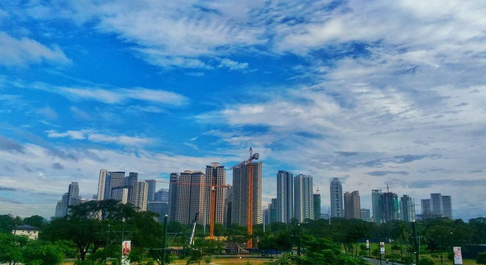 Naturelovers Urban Landscape PhonePhotography Eyeem Photography Eyeem Philippines BGC Taguig Cloud And Sky City Life Cityscape Skyline