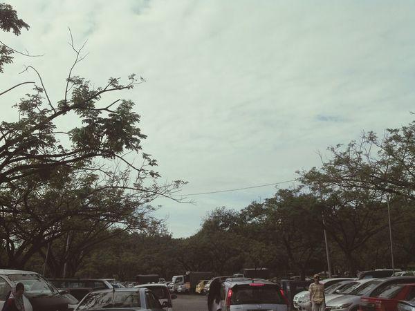 parkir kereta