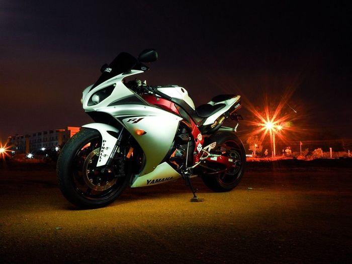 R1 EM10 Yamaha R1 Livetime Bike OmdOlympus Olympus Om-d E-m10