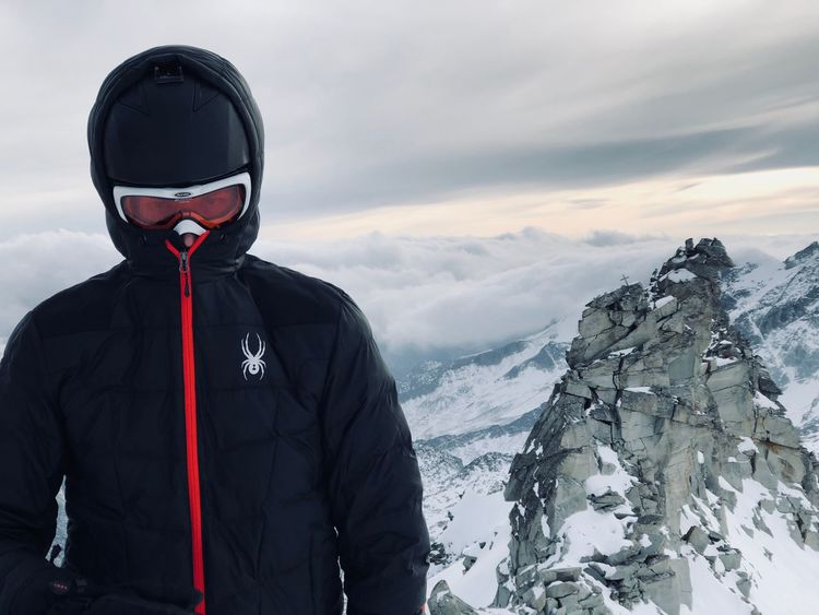 Spyder Cloud - Sky Jacket Skiing One Person Winter Snow Cold Temperature Nature Weather Mountain Real People Standing Front View Outdoors Men Beauty In Nature Warm Clothing