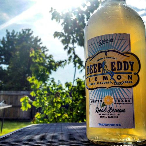 In the deep, I am. @deepeddyvodka Shout out to @katelkent for importing this distilled nectar, complete with hand delivery. Deepeddyvodka Vodka Witchesnipples Allwalknotalk takeittothelimit hammocklife austin texas arkansas handmemyasslesschaps whatglass ?
