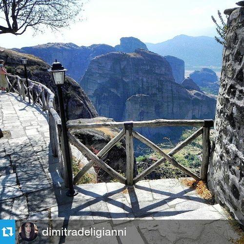 Repost @dimitradeligianni ・・・ Meteora Kalampáka Greece