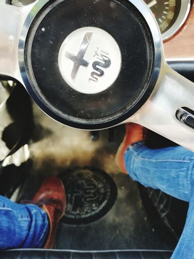 Legs Gambe Jeans Alfa Romeo Alfa Romeo GT Junior 1968 Italian Car Motors Free Libertá Guida Guidare Driver Drivers Seat