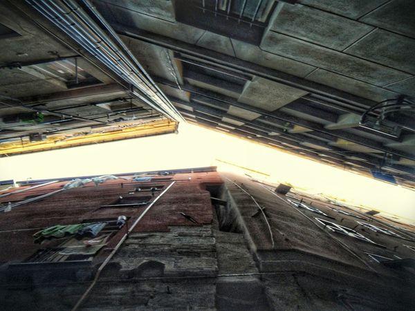 Looking Up Caroggi Vicoli Di Genova Genoa Hystorical Centre Alleyways Vicolo Built Structure Architecture Building Exterior City No People Outdoors Day Sky Cityscape Narrow Street Centro Storico Di Genova F3