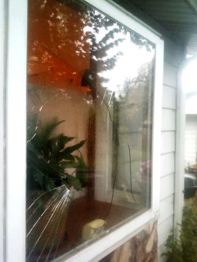 Oopsie! broken Glass - Material Window