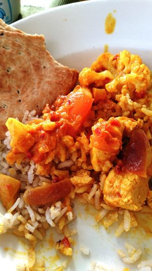 Food Photography Chicken Curry Wholewheat Rice Yellow Cauliflower Paprika Onion Limon Naanbread Yummy (c) 2016 Shangita Bose All Rights Reserved Enjoying Life Cooking Food Color Palette TakeoverContrast ShareTheMeal Maximum Closeness